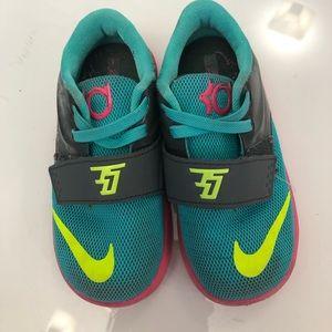 sneakers for girl Nike